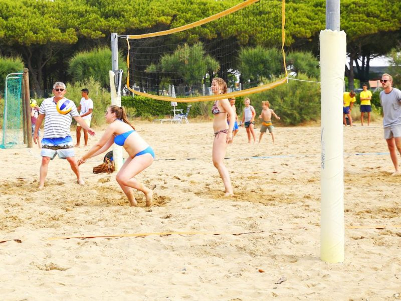 Residence_Village_Animazione_beach-volley
